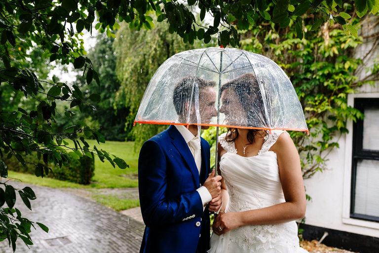 regen tijdens je bruiloft maureen van dijk fotografie 9565(pp w768 h512) - Regen tijdens je bruiloft